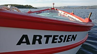 L'Artesien, pointu à la lagune bu Brusc