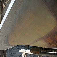 Étrave renforcée en époxy / aramide (Kevlar)